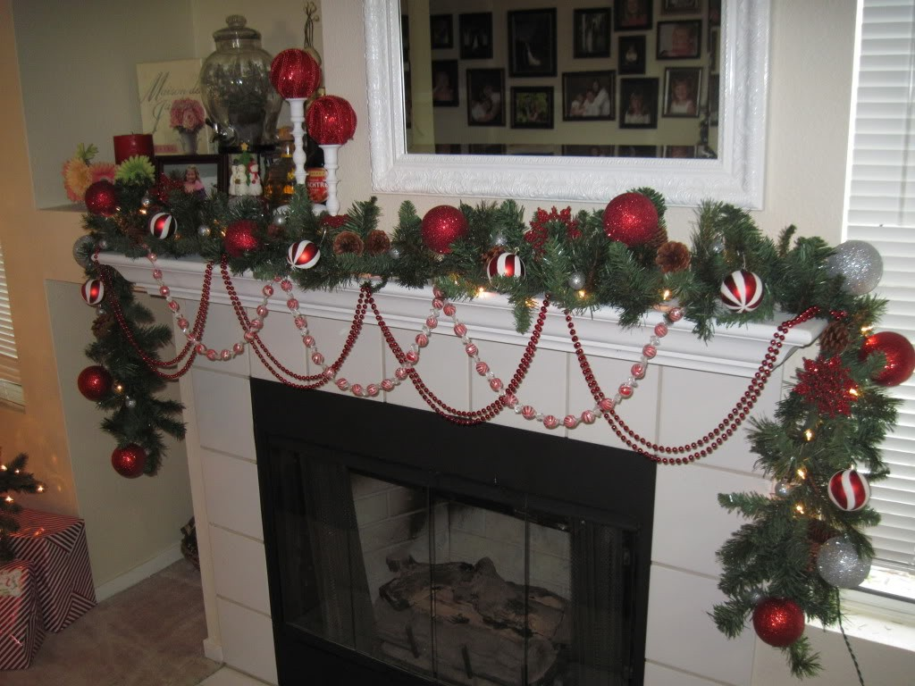 christmas-fireplaces-decor-16