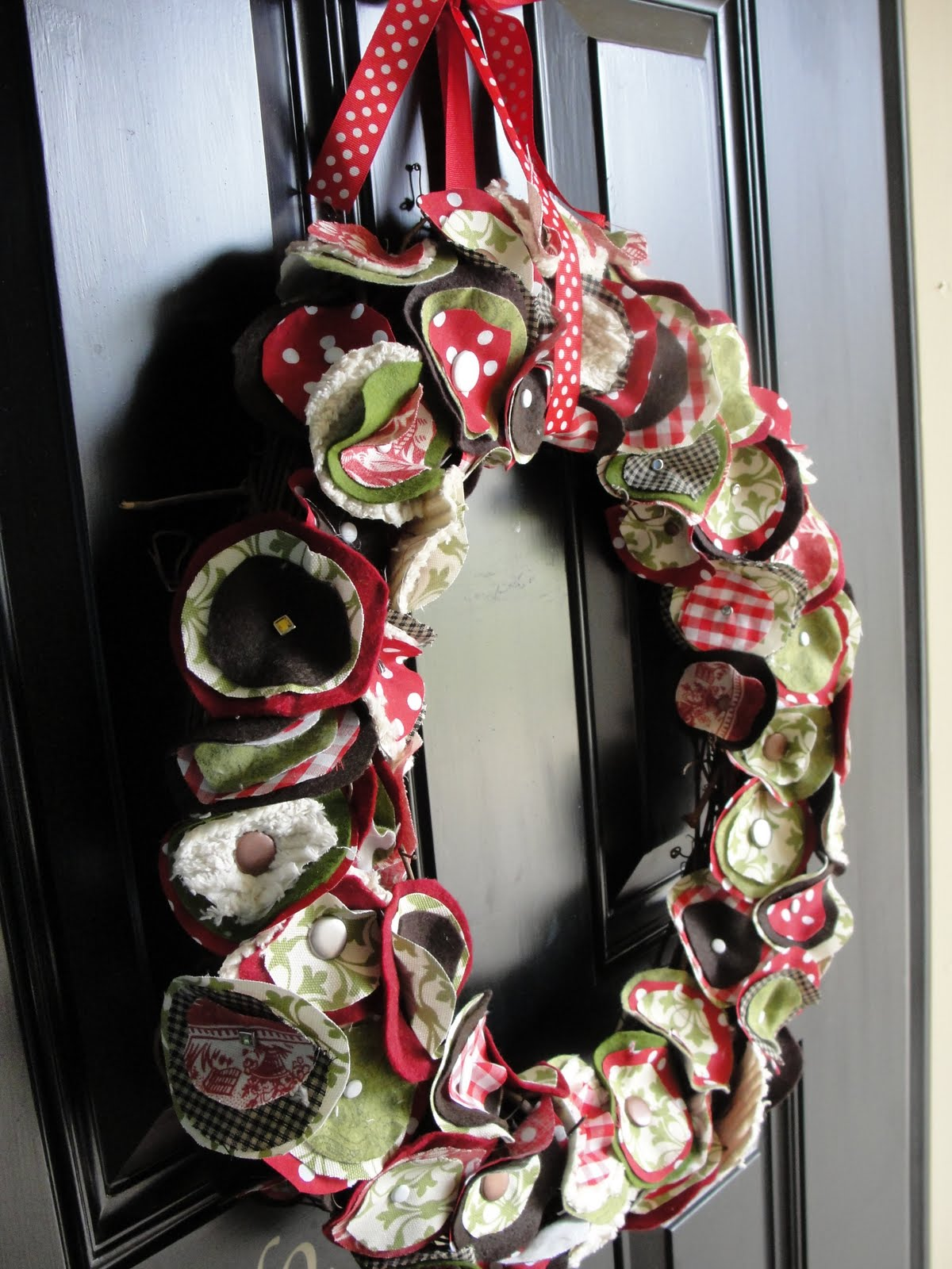 Make A Diy Christmas Wreaths Yourself To Celebrate The Holiday Season