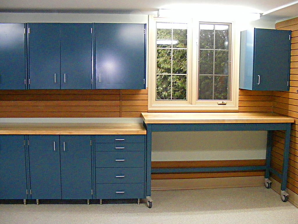 Diy garage cabinets to make your garage look cooler ellys diy blog diy garage cabinets 1 solutioingenieria Gallery