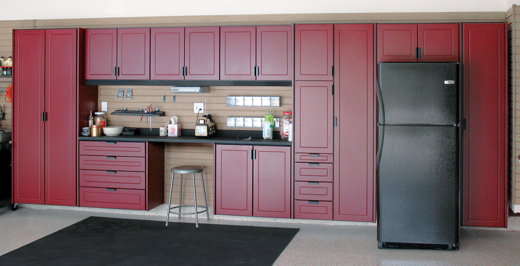 diy garage cabinets to make your garage look cooler elly. Black Bedroom Furniture Sets. Home Design Ideas