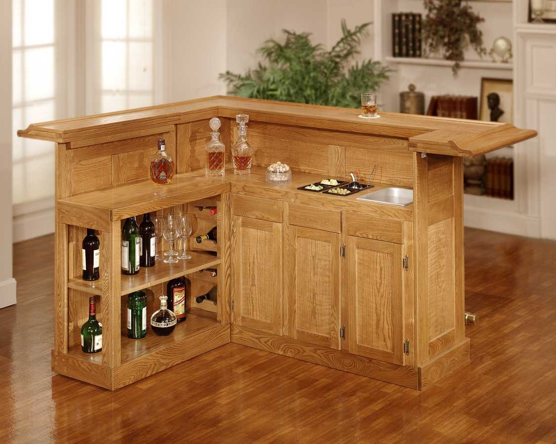 A Small Sized Bar Counter At Home Can Be Very Good Idea. This Wooden Home  Bar Looks Attractive And Everything Is So Organized In It.